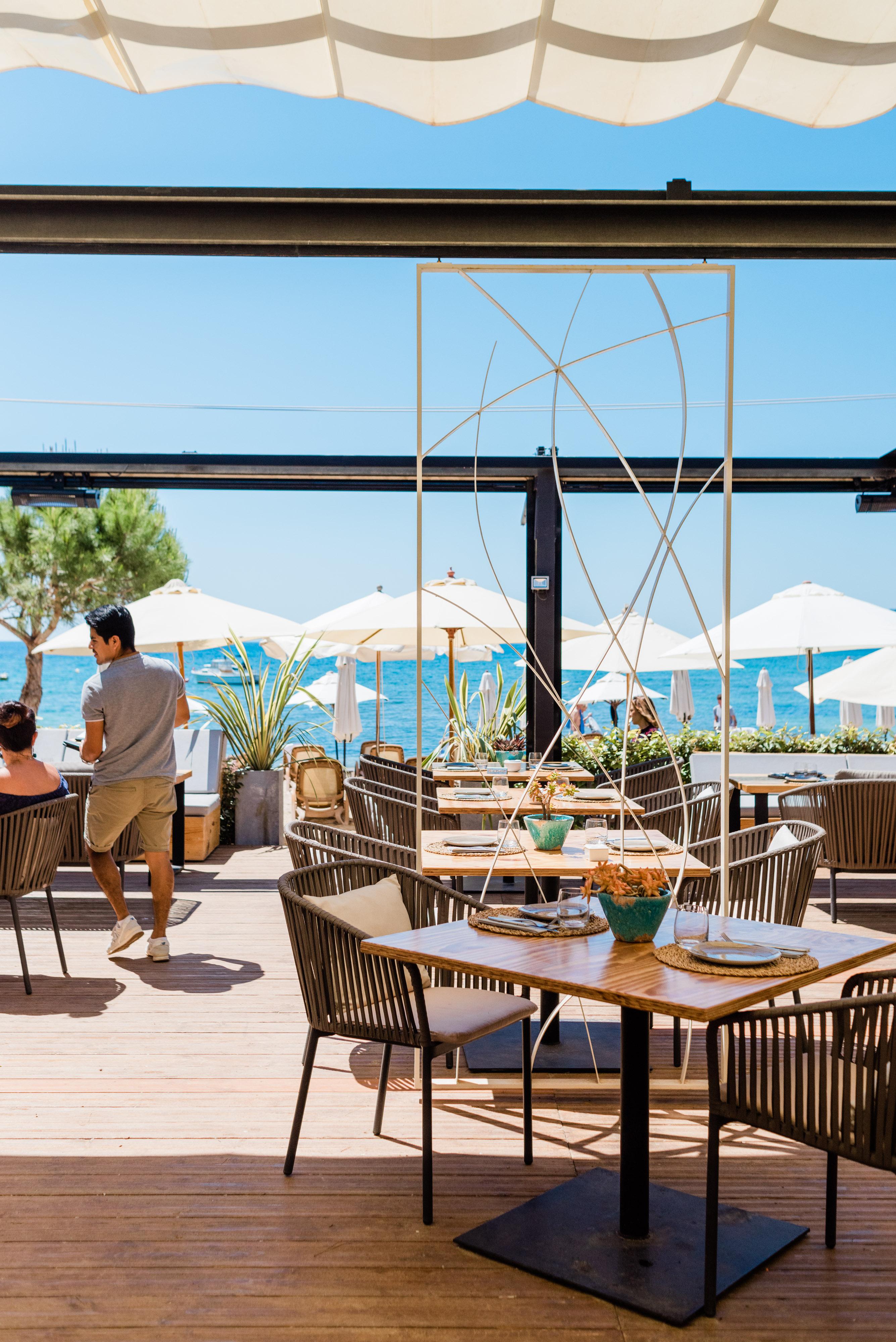 Pura Vida Beach Restaurant Playa Niu Blau